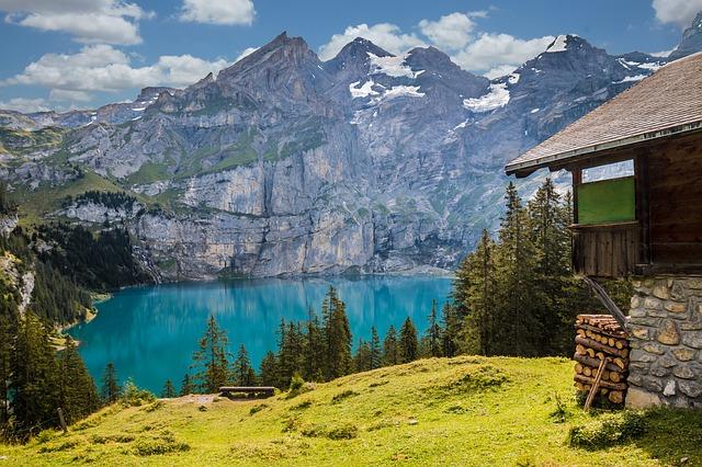 Szkoły w Szwajcarii – czy to opcja tylko dla najbogatszych?