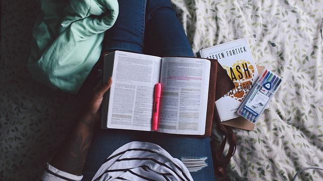 Wakacyjne kursy językowe – połącz przyjemne z pożytecznym